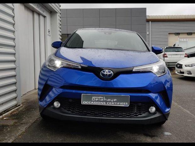 Photo miniature de la Toyota C-HR 122h Dynamic 2WD E-CVT 2019 d'occasion