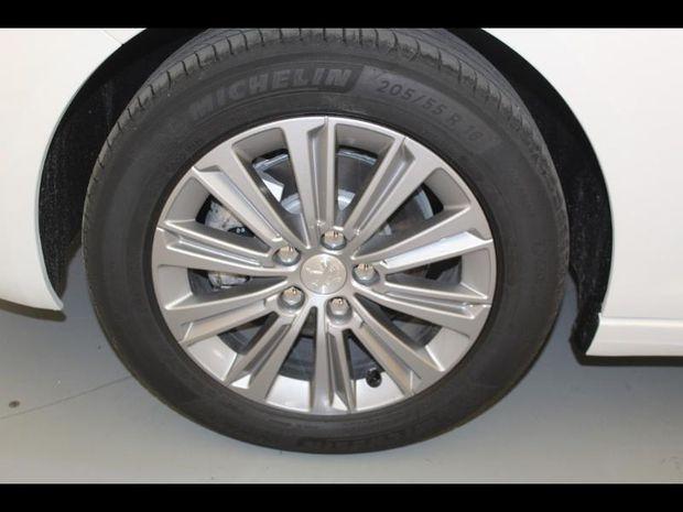 Photo miniature de la Peugeot 308 1.5 BlueHDi 130ch S&S Allure Pack 2021 d'occasion
