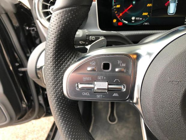 Photo miniature de la Mercedes CLA Shooting Brake 200 d 150ch AMG Line 8G-DCT 2020 d'occasion