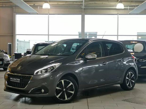 Photo miniature de la Peugeot 208 1.2 110 EAT6 tech Edition Gps Camera 2019 d'occasion