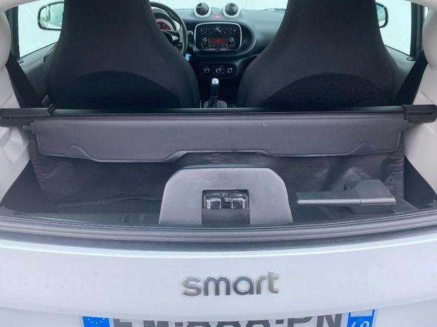 Photo miniature de la Smart fortwo Coupe 61ch pure 2017 d'occasion