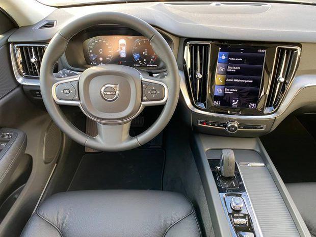 Photo miniature de la Volvo V60 B3 163ch Business Executive Geartronic 2021 d'occasion