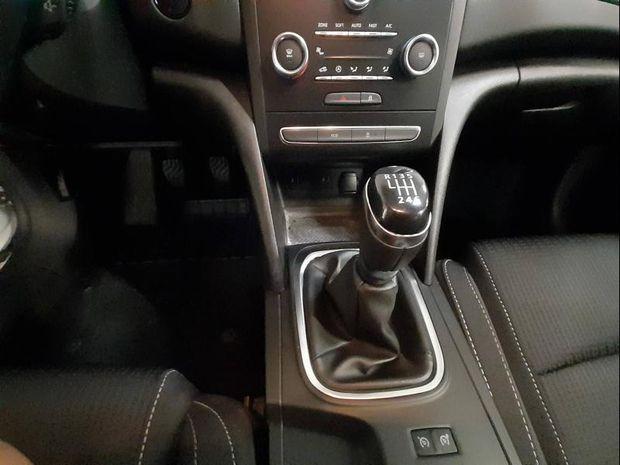 Photo miniature de la Renault Megane 1.5 Blue dCi 95ch Business 2019 d'occasion