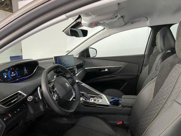 Photo miniature de la Peugeot 3008 HYBRID 225ch Roadtrip e-EAT8 2021 d'occasion