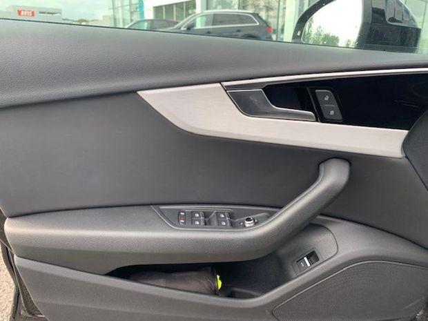 Photo miniature de la Audi A4 Avant 35 TDI 163ch S line S tronic 7 2020 d'occasion
