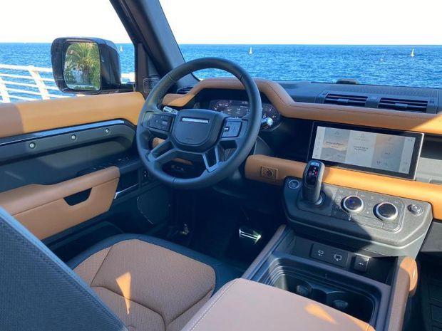 Photo miniature de la Land Rover Defender 110 3.0 D300 X-Dynamic X 2021 d'occasion