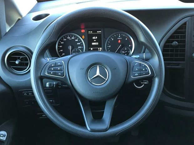 Photo miniature de la Mercedes Vito 119 CDI Tourer Extra-Long Pro 7G- 41583HT 2019 d'occasion