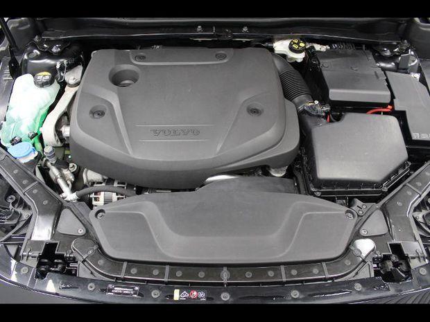 Photo miniature de la Volvo V40 D2 120ch Momentum Geartronic 2018 d'occasion