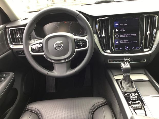 Photo miniature de la Volvo V40 V60 Cross Country D4 190ch AWD Cross Country Pro Geartronic 2020 d'occasion