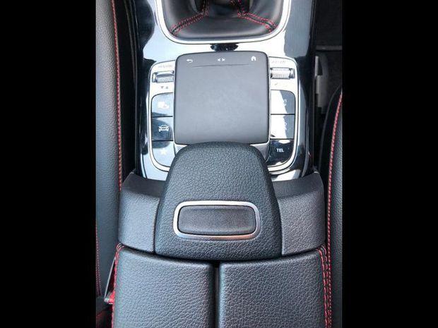 Photo miniature de la Mercedes CLA Shooting Brake 180 d 116ch AMG Line 2020 d'occasion