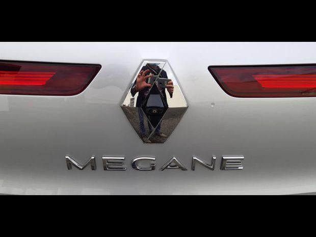 Photo miniature de la Renault Megane 1.5 Blue dCi 115ch Intens EDC 2019 d'occasion