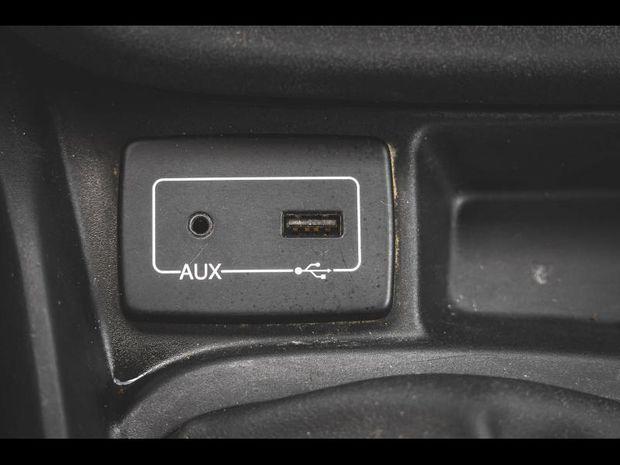 Photo miniature de la Fiat Doblo Cargo 90 Pack Gps USB Clim attelage garantie 1 an 2017 d'occasion