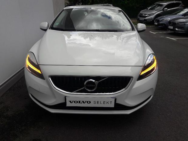 Photo miniature de la Volvo V40 D2 120ch Momentum Business 2017 d'occasion