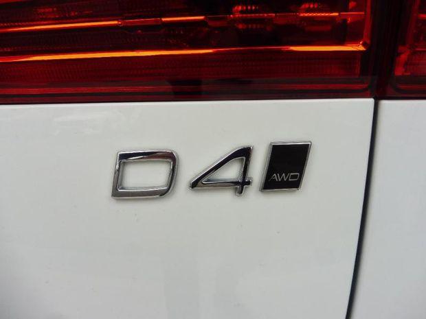 Photo miniature de la Volvo XC60 D4 AWD AdBlue 190 Business 2018 d'occasion