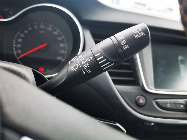 Photo miniature de la Opel Crossland X 1.5 D 102ch Elegance Garantie 1 an 2020 d'occasion