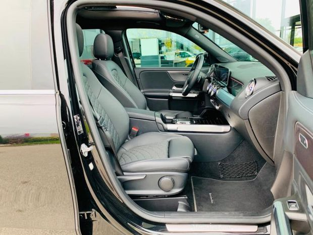 Photo miniature de la Mercedes GLB 200d 150ch Progressive Line 8G DCT 2020 d'occasion