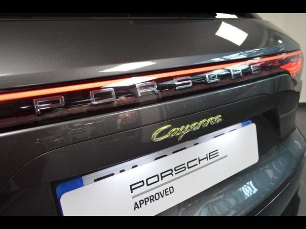 Photo miniature de la Porsche Cayenne 3.0 462ch E-Hybrid Euro6d-T 2019 d'occasion