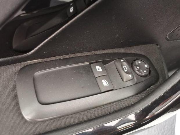 Photo miniature de la Peugeot 208 Affaire 1.6 BlueHDi 100ch Premium Pack 2018 d'occasion