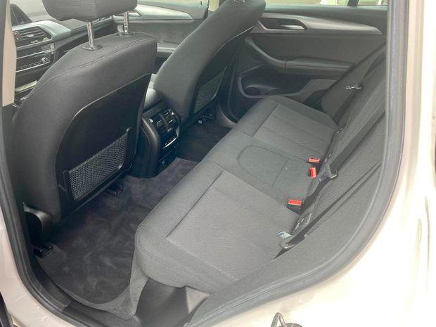 Photo miniature de la BMW X3 sDrive18d 150ch Lounge Euro6c 2018 d'occasion