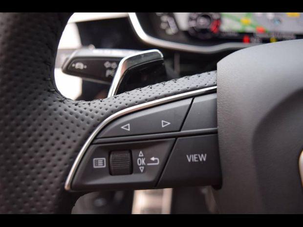 Photo miniature de la Audi Q3 RS  Spb 2.5 TFSI 400ch quattro S tronic 7 28cv 2021 d'occasion