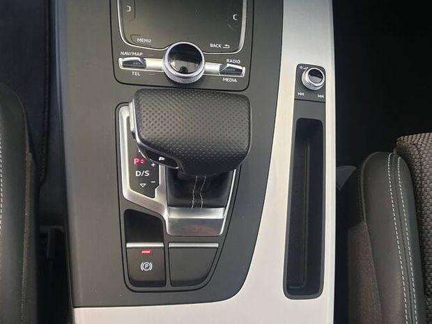 Photo miniature de la Audi Q5 2.0 TDI 190 S tronic 7 Quattro S line 2018 d'occasion