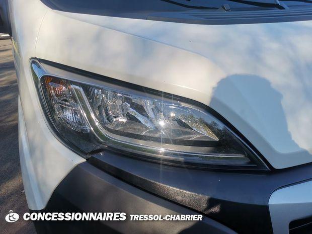 Photo miniature de la Peugeot Boxer TOLE 335 L2H2 BLUEHDI 165 S&S ASPHALT 2020 d'occasion