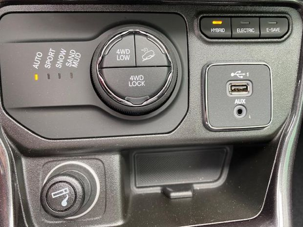 Photo miniature de la Jeep Compass 1.3 GSE T4 190ch Limited 4xe PHEV AT6 2021 d'occasion