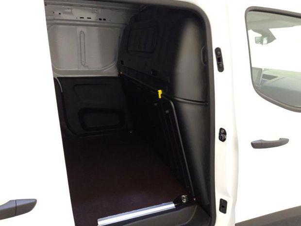 Photo miniature de la Opel Combo Cargo L2H1 950kg 1.5 130ch S&S Pack Clim 2021 d'occasion