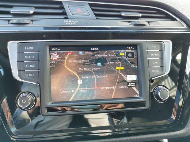 Photo miniature de la Volkswagen Touran 2.0 TDI 150ch BlueMotion Technology FAP Carat 7 places 2017 d'occasion