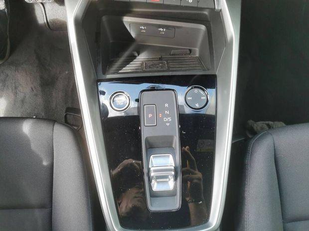 Photo miniature de la Audi A3 Sportback 30 TFSI 110 S tronic 7 Design 2021 d'occasion