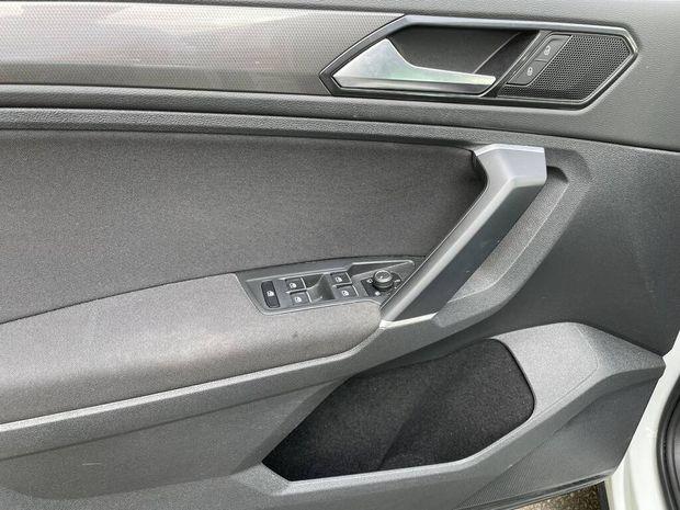 Photo miniature de la Volkswagen Tiguan 2.0 TDI 150 DSG7 Connect 2018 d'occasion