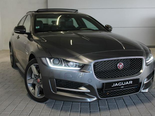 Photo miniature de la Jaguar XE 2.0D 240ch R-Sport AWD BVA8 2017 d'occasion