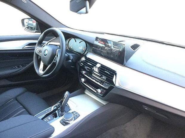 Photo miniature de la BMW Serie 5 520dA xDrive 190ch Luxury 2017 d'occasion