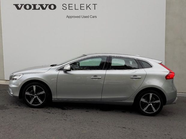 Photo miniature de la Volvo V40 D2 120ch R-Design 2017 d'occasion