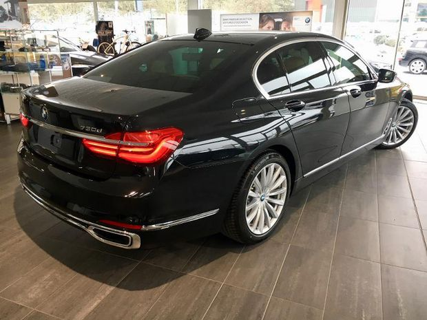 Photo miniature de la BMW Serie 7 730dA xDrive 265ch Exclusive 2017 d'occasion