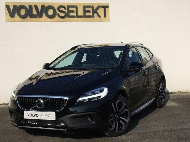 Photo miniature de la Volvo V40 Cross Country D2 120ch Översta Edition 2018 d'occasion