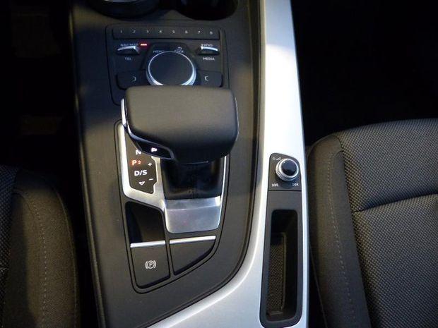 Photo miniature de la Audi A4 Avant 2.0 TDI 122ch S tronic 7 2018 d'occasion