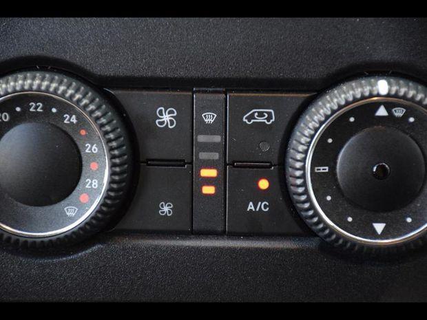 Photo miniature de la Mercedes Sprinter Fg 313 CDI 37S 3T5 6 PL 17900 HT 2015 d'occasion