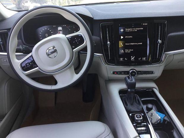 Photo miniature de la Volvo V90 Cross Country D5 AWD 235ch Pro Geartronic 2018 d'occasion
