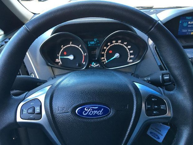 Photo miniature de la Ford B-MAX 1.5 TDCi 95ch Stop&Start Titanium 2017 d'occasion